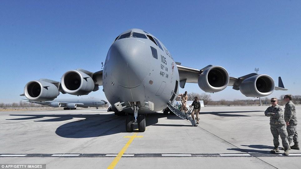 Scenarii de război. Un bombardier strategic american a survolat Peninsula Coreea într-un amplu exerciţiu aerian condamnat de regimul de la Phenian