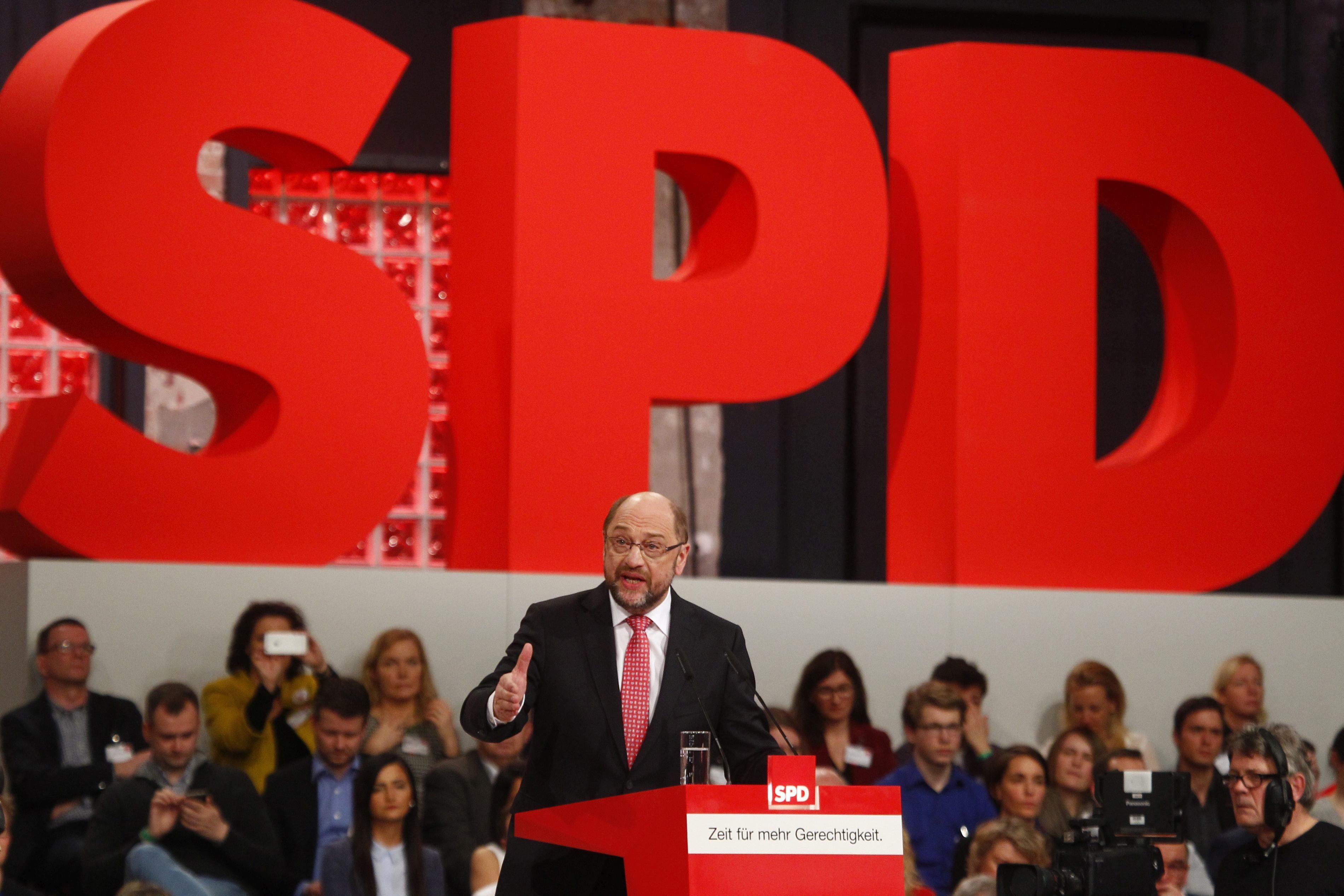 Social-democraţii germani au votat în favoarea iniţierii negocierilor pentru formarea unui nou Guvern cu CDU/CSU