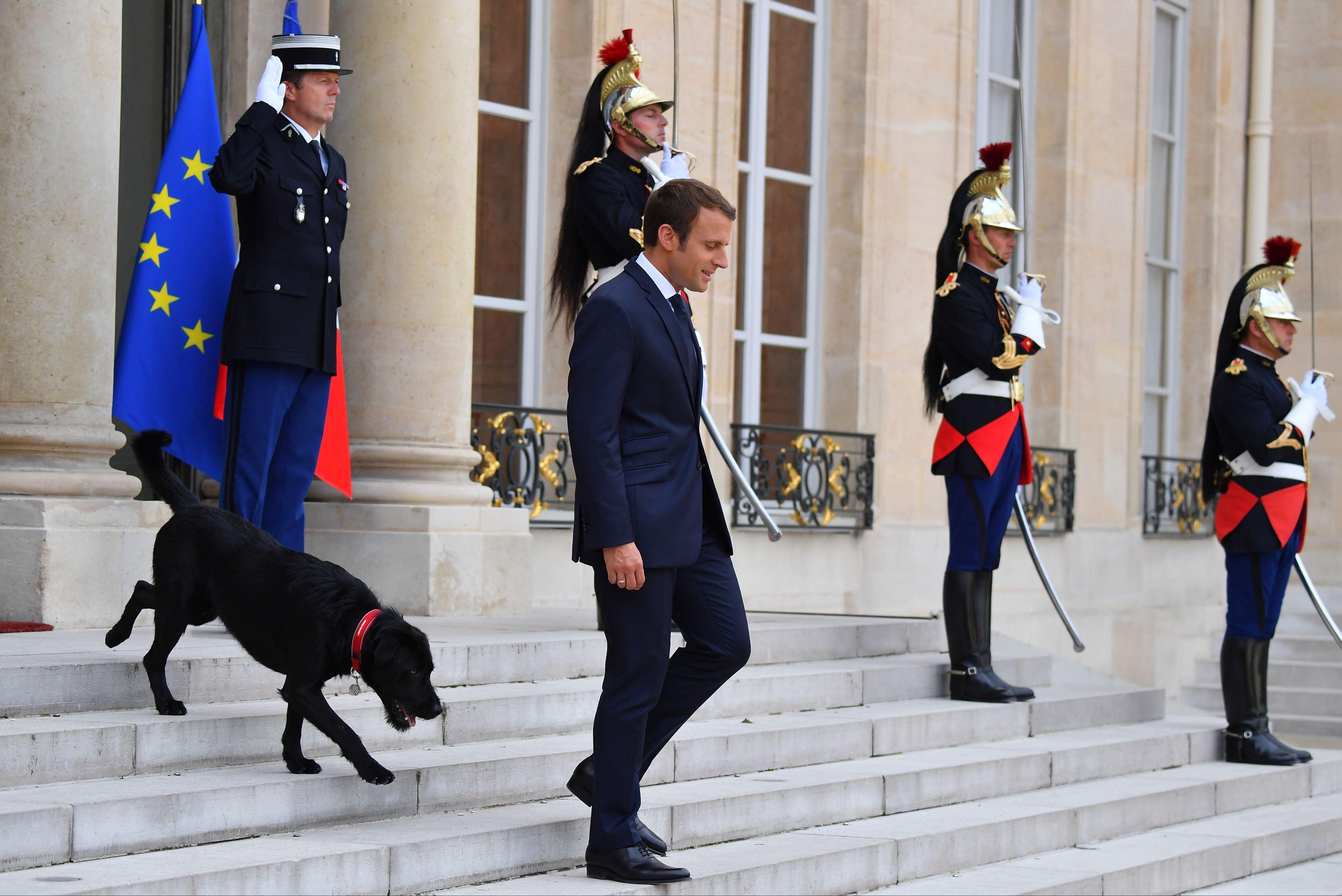 Consiliul Constituţional din Franţa validează controlul guvernamental asupra parchetelor judiciare