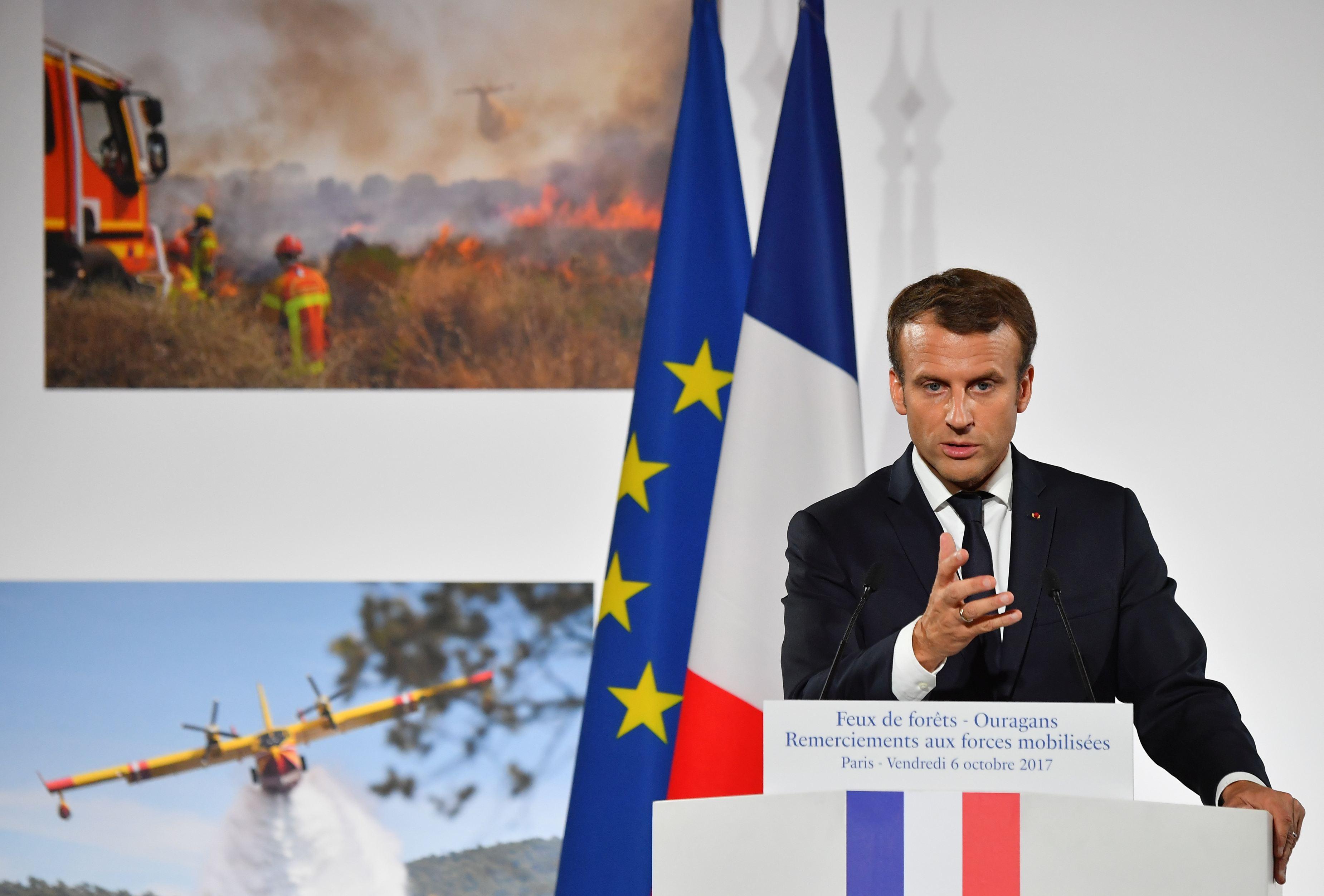 Emmanuel Macron avertizează că lumea pierde lupta împotriva schimbărilor climatice