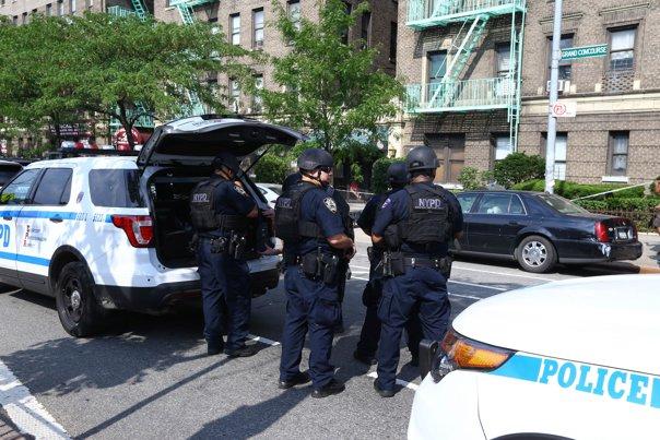 """Imaginea articolului Măsuri sporite de securitate la New York, de sărbători: """"Veţi vedea mai multe arme şi mai mulţi ofiţeri de poliţie foarte bine pregătiţi"""""""