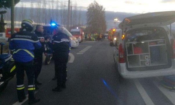Imaginea articolului Cel puţin patru morţi şi zeci de răniţi după ce un autobuz şcolar a fost lovit de un tren, în Franţa