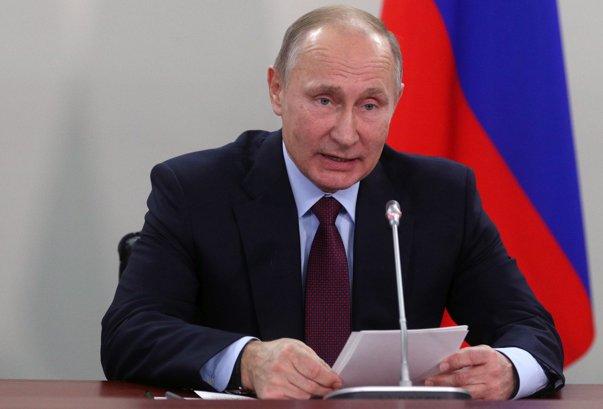 Imaginea articolului Vladimir Putin neagă că Rusia este implicată militar în conflictul din Ucraina
