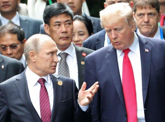 Imaginea articolului Donald Trump şi Vladimir Putin au avut o convorbire telefonică/ Cei doi au discutat despre problemele din relaţiile bilaterale şi despre criza nord-coreeană
