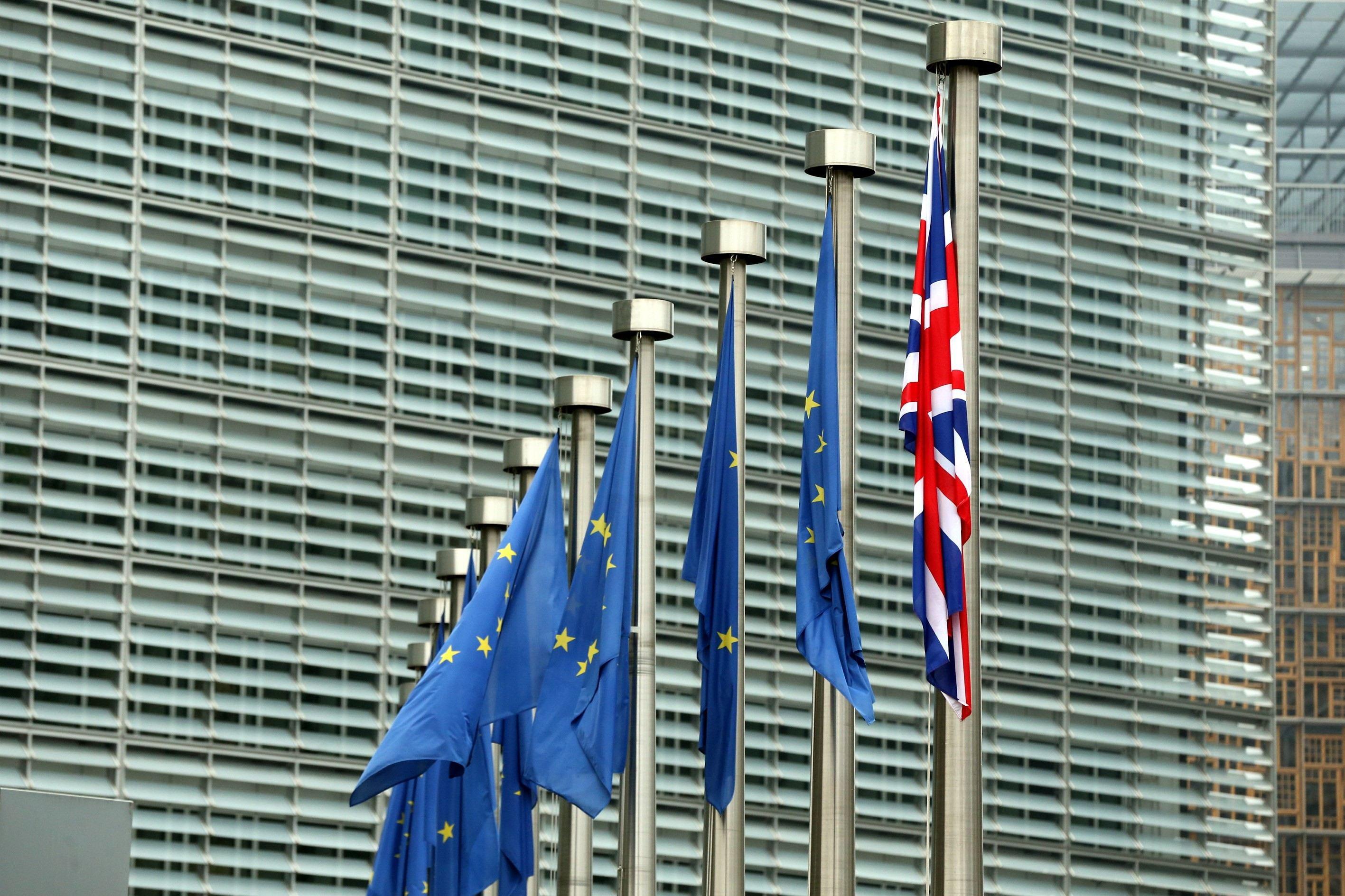Philip Hammond: Marea Britanie vizează un acord comercial distinct cu UE. `Mă aştept că vom dezvolta ceva care nu reprezintă nici modelul Canadei, nici cel al Spaţiului Economic European`