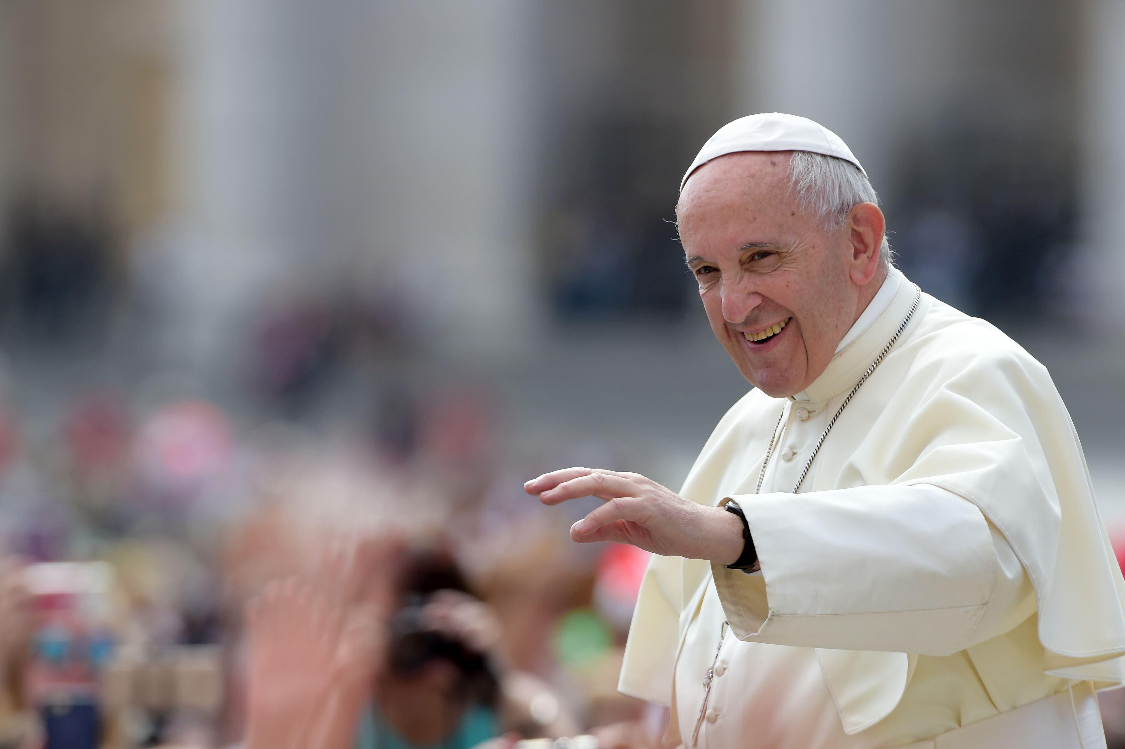 Papa Francisc a făcut un apel la toleranţă faţă de situaţia milioanelor de migranţi `alungaţi din ţara lor`