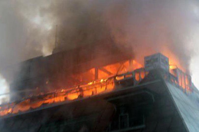 Autorităţile sud-coreene i-au arestat pe propietarul şi administratorul complexului incendiat, în care 29 de persoane au murit