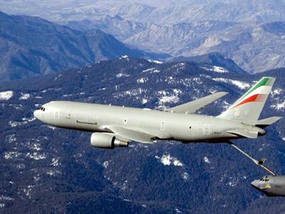 Un avion militar aparţinând SUA a aterizat de urgenţă în Marea Britanie