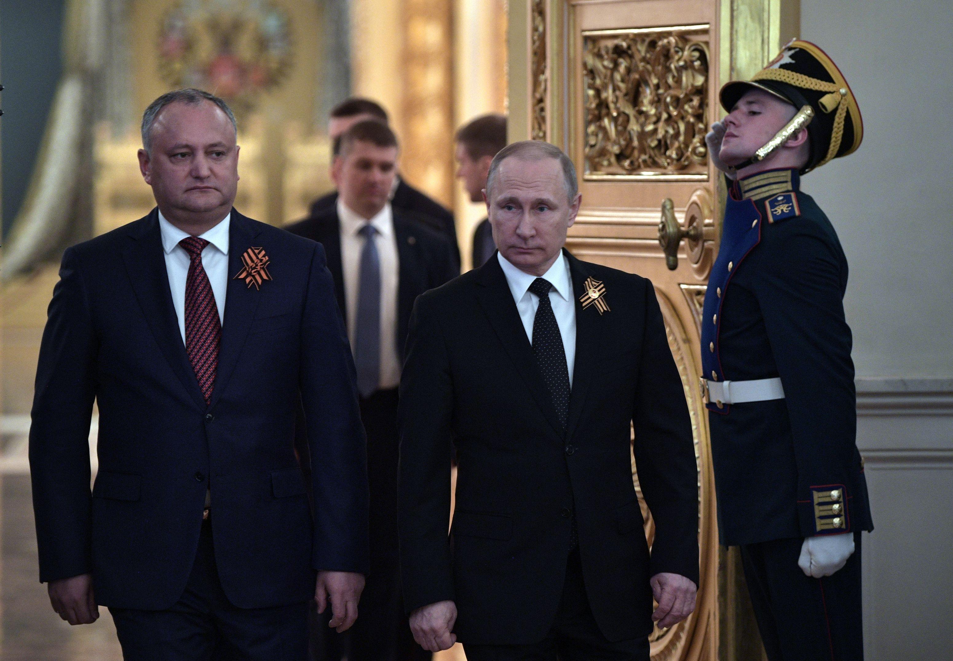 Putin le-a trimis mesaje cu ocazia Anului Nou liderilor unor ţări est-europene. Ce i-a scris lui Dodon în mesajul de felicitare