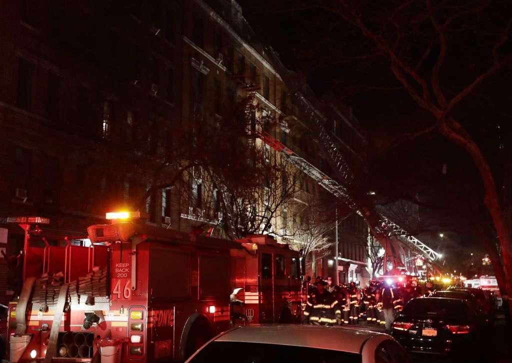 Cel puţin 23 de persoane au fost rănite în urma unui incendiu produs în New York