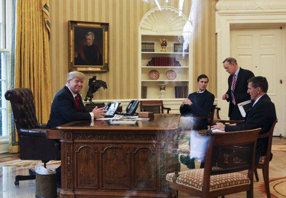 """Imaginea articolului Associated Press: Donald Trump se laudă că are """"buton nuclear"""", dar, de fapt, nu are"""