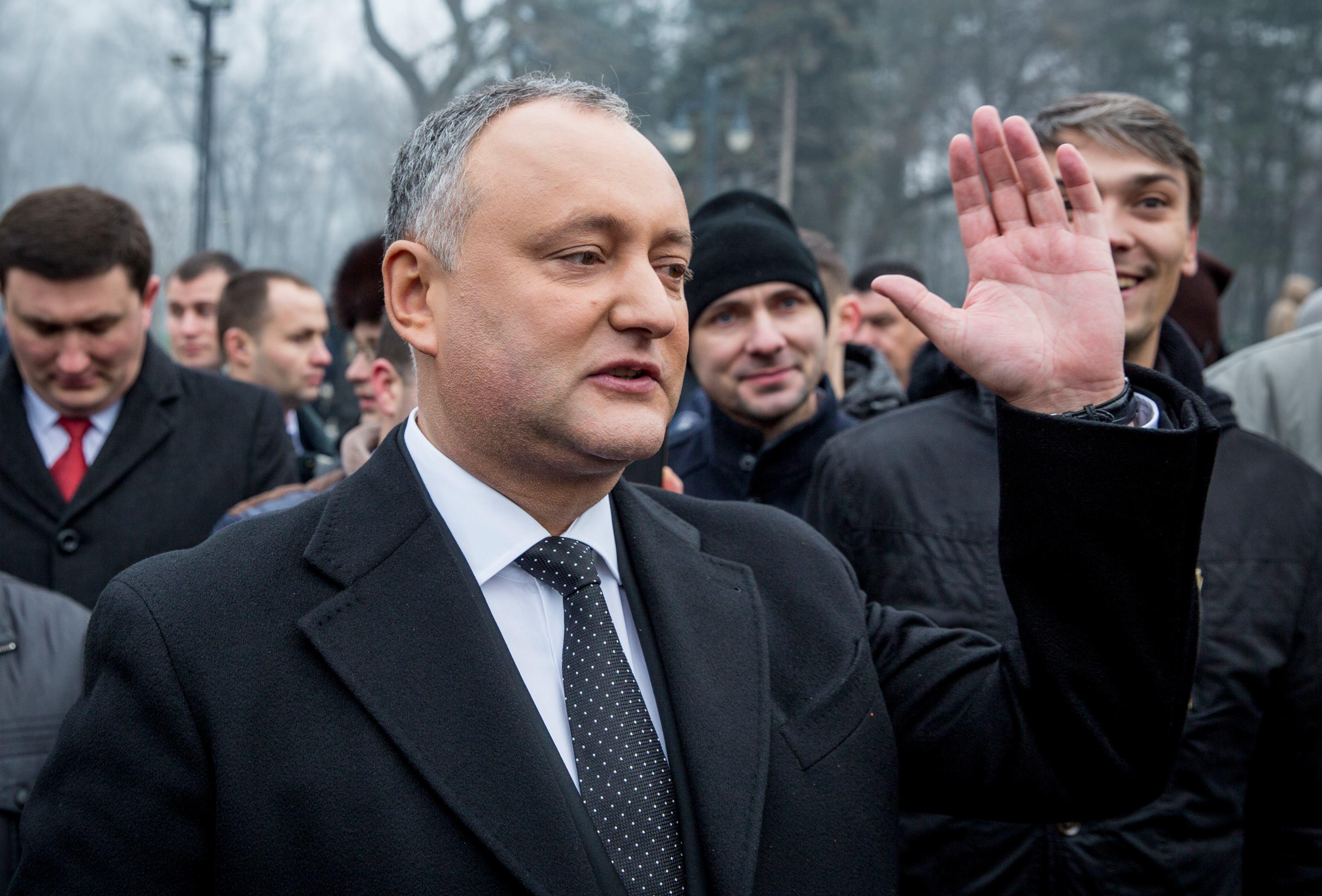 Igor Dodon a reclamat `legea anti-propagandă` la Curtea Constituţională