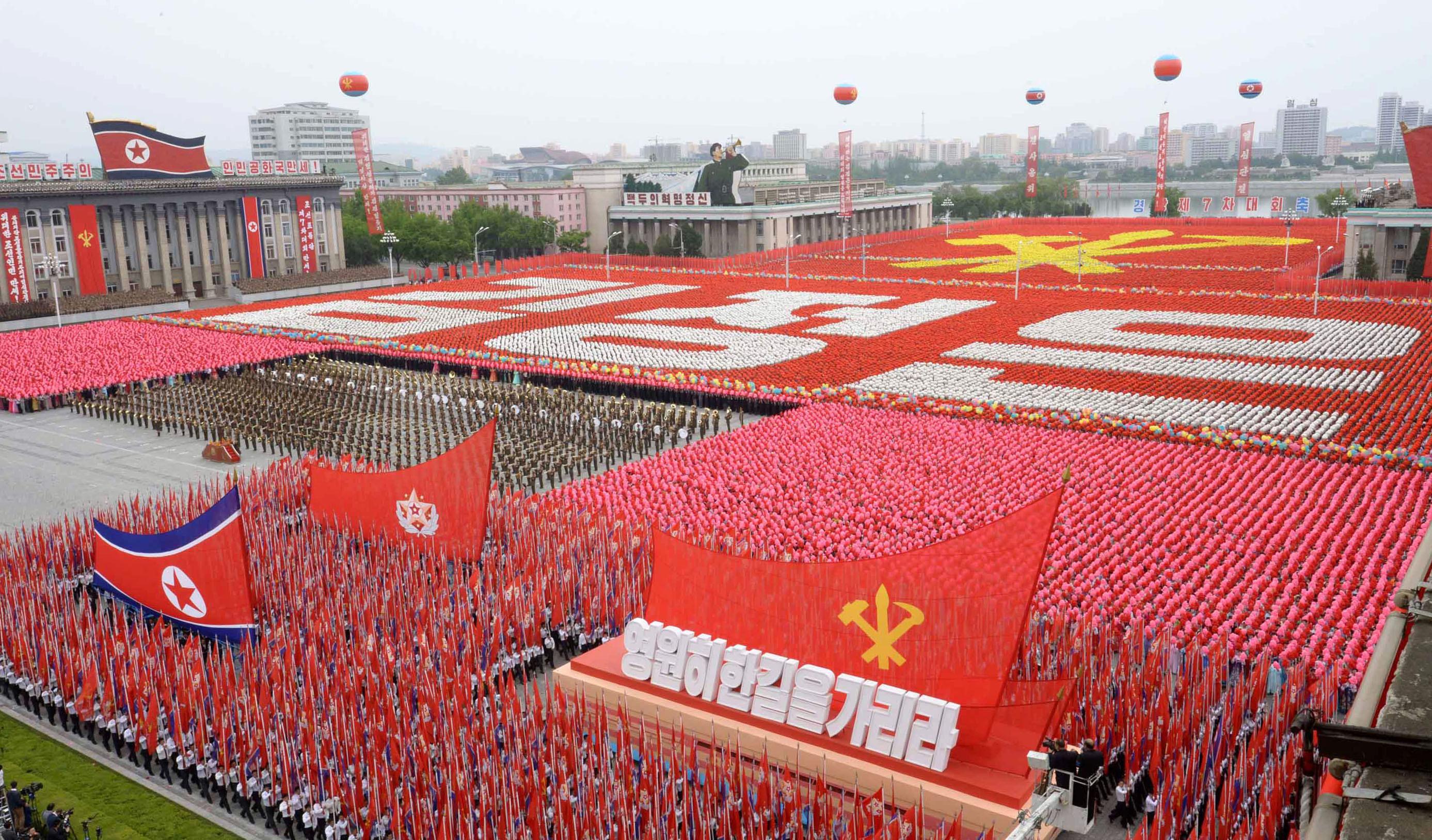 Cea mai mare armată din lume se pregăteşte de război. Preşedintele chinez le-a cerut soldaţilor să nu se teamă de moarte