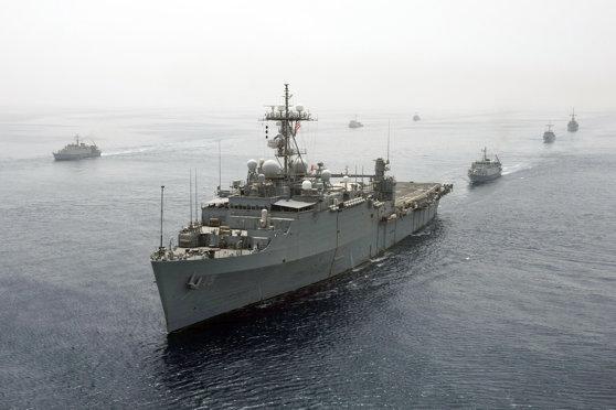 Imaginea articolului Un distrugător al SUA, elicoptere şi nave militare ucrainene efectuează exerciţii în Marea Neagră   FOTO, VIDEO