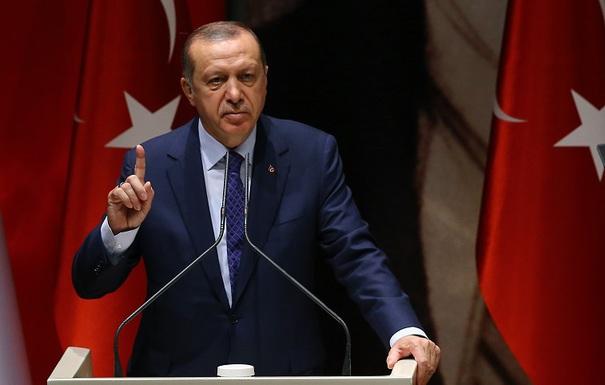 Recep Erdogan acuză Statele Unite că vor să creeze o `armată teroristă` în Siria
