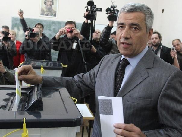 Serbia suspendă negocierile cu oficiali din Kosovo din cauza asasinării lui Oliver Ivanovici