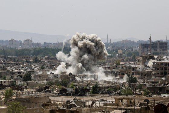Imaginea articolului Siria: Cel puţin 94 de persoane au fost ucise în urma bombardamentelor din Ghouta de Est