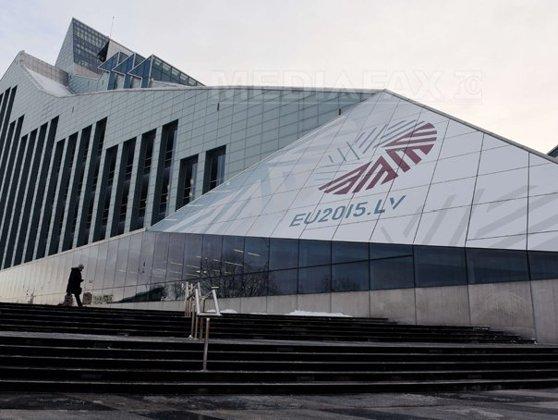 Imaginea articolului Financial Times: Guvernul Letoniei susţine că scandalurile din sectorul bancar sunt o campanie pentru denigrare