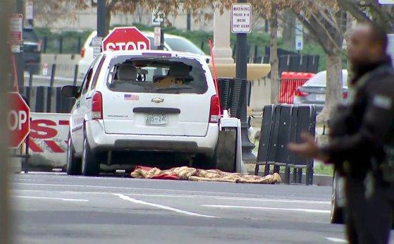 Imaginea articolului O femeie a intrat cu maşina într-o barieră de securitate de la Casa Albă