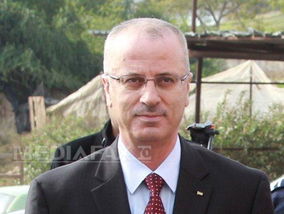 Imaginea articolului O bombă a vizat convoiul premierului palestinian, Rami Hamdallah, în Fâşia Gaza. Sunt şapte răniţi