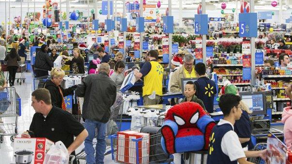 Imaginea articolului Efect de bumerang. Giganţii retailului american îi cer lui Donald Trump să revizuaiscă tarifele cu China: Familiile care cumpără din magazinele noastre plătesc preţuri mai mari
