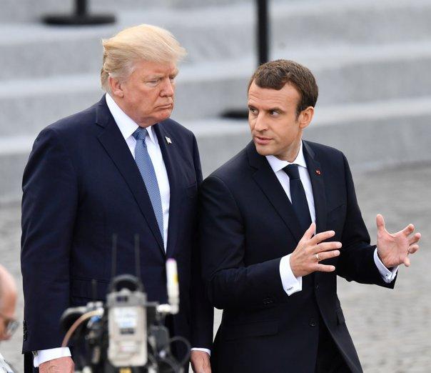 Imaginea articolului Emmanuel Macron şi Donald Trump au stabilit că Rusia trebuie trasă la răspundere pentru atacul chimic din Marea Britanie