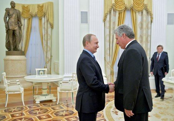 Imaginea articolului Miguel Bermúdez, ales noul preşedinte al Cubei, după şase decenii de conducere a ţării de către fraţii Castro