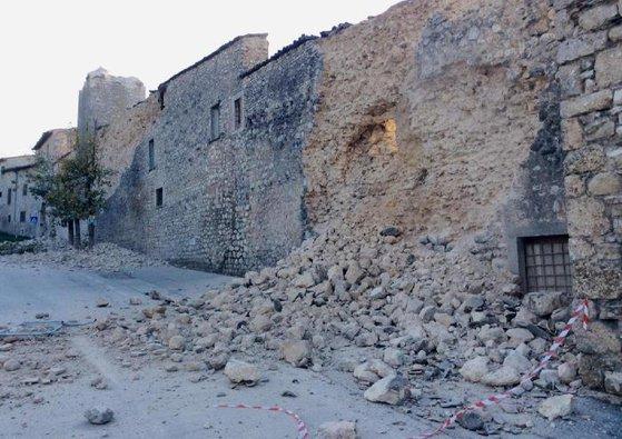 Imaginea articolului CUTREMUR, în Italia. Seismul a fost urmat de mai multe replici. Oamenii au ieşit panicaţi pe străzi