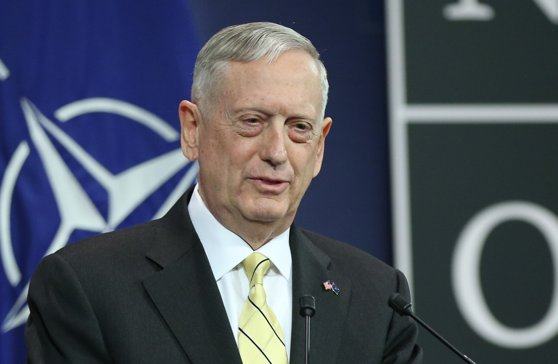 Imaginea articolului Jim Mattis se aşteaptă să aibă loc noi operaţiuni împotriva militanţilor reţelei teroriste Stat Islamic din Siria