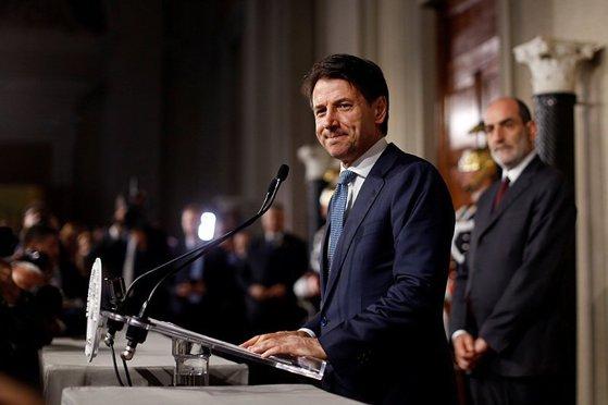 Imaginea articolului Tensiuni în Italia. Giuseppe Conte renunţă la mandatul de premier desemnat