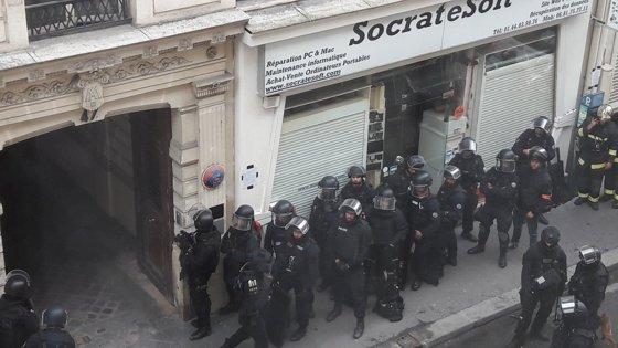 Imaginea articolului UPDATE Luarea de ostatici într-o clădire din Paris s-a încheiat/ Agresorul a fost reţinut
