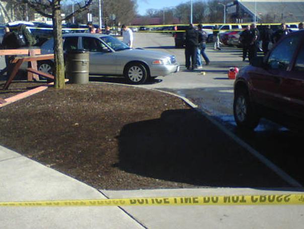 Imaginea articolului ATAC ARMAT în Statele Unite: Cel puţin 20 de oameni au fost răniţi / Autorul, împuşcat mortal de poliţie | VIDEO