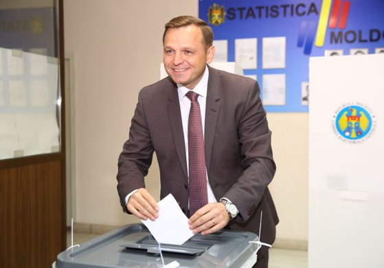 Imaginea articolului Mandatul lui Andrei Năstase, INVALIDAT. Scrutinul pentru desemnarea primarului Chişinăului a fost ANULAT