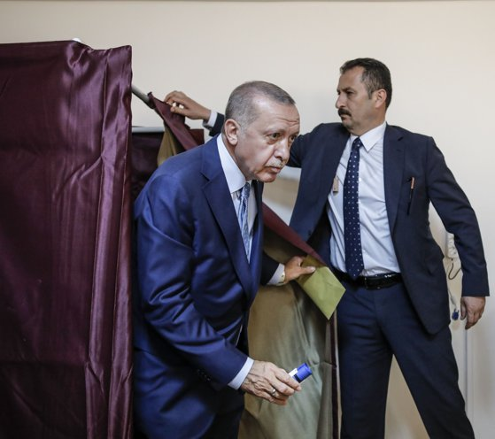 Imaginea articolului Viktor Orban şi Boiko Borisov îl felicită pe Recep Erdogan pentru realegerea sa ca preşedinte al Turciei