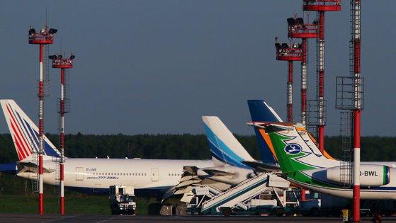 Imaginea articolului Un avion de pasageri a trebuit să se întoarcă la Moscova din cauza decompresiei cabinei piloţilor