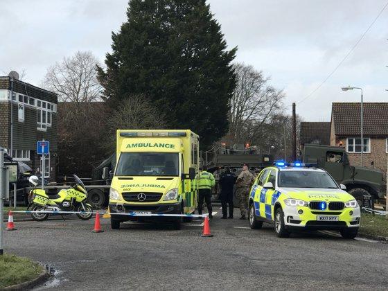 """Imaginea articolului Două persoane, în stare critică, după expunerea la o SUBSTANŢĂ NECUNOSCUTĂ în apropiere de Salisbury / Poliţia Wiltshire a declarat situaţia drept """"un incident major"""""""