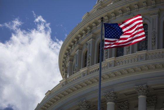 Imaginea articolului Bloomberg şi NYT: Partidul Democrat poate obţine majoritatea în Camera Reprezentanţilor/ Donald Trump evocă acest risc