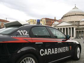 Circa 300 de romi atacă o echipă de poliţie în Italia