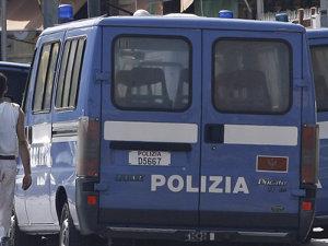 Neapole: Ciocniri între forţele de poliţie şi zeci de imigranţi africani