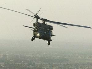 Forţele pakistaneze au deschis focul asupra a două elicoptere americane
