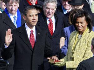 Obama ar trebui să rostească din nou jurământul, potrivit unor experţi (Imagine: Mediafax Foto/AFP)