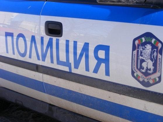 Imaginea articolului Un poliţist bulgar a intrat cu maşina într-un stâlp şi a luat ostatică o femeie