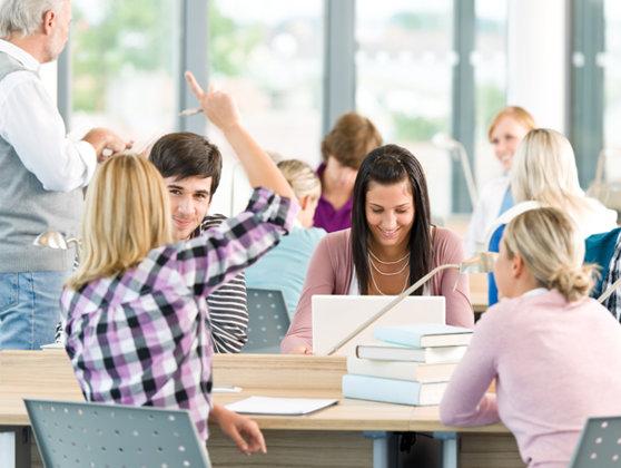 Imaginea articolului Ziua Internaţională a Studenţilor, sărbătorită astăzi. Cum a devenit 17 noiembrie ziua în care sunt celebraţi studenţii din întreaga lume