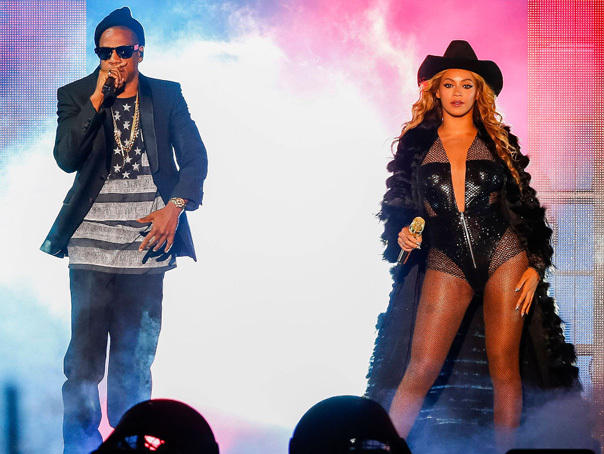 Beyonce si Jay-Z vor c�nta la nunta actorilor Angelina Jolie si Brad Pitt