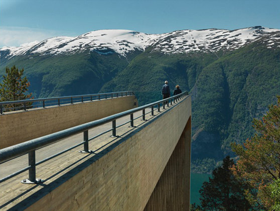 Imaginea articolului Cum arată observatorul Aurland, care oferă una dintre cele mai frumoase privelişti din lume - FOTO