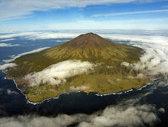 IMAGINI uimitoare de pe cea mai izolată insulă din lume - GALERIE FOTO