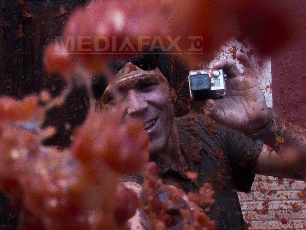 Tomatina 2014: Mii de petrecareti, implicati �ntr-o bataie uriasa cu rosii - FOTO