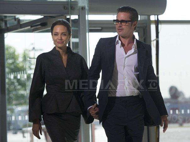Angelina Jolie si Brad Pitt au primit drept cadou de nunta o pereche de sinsile