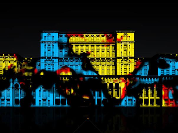 Proiectii multimedia pe Palatul Parlamentului, �ntr-un spectacol unic �n Europa, de ziua Capitalei - FOTO. CALENDARUL evenimentelor de Zilele Bucurestiului
