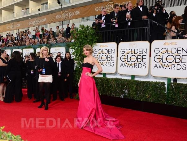 Taylor Swift, desemnata Femeia Anului de revista Billboard, pentru a doua oara �n cariera